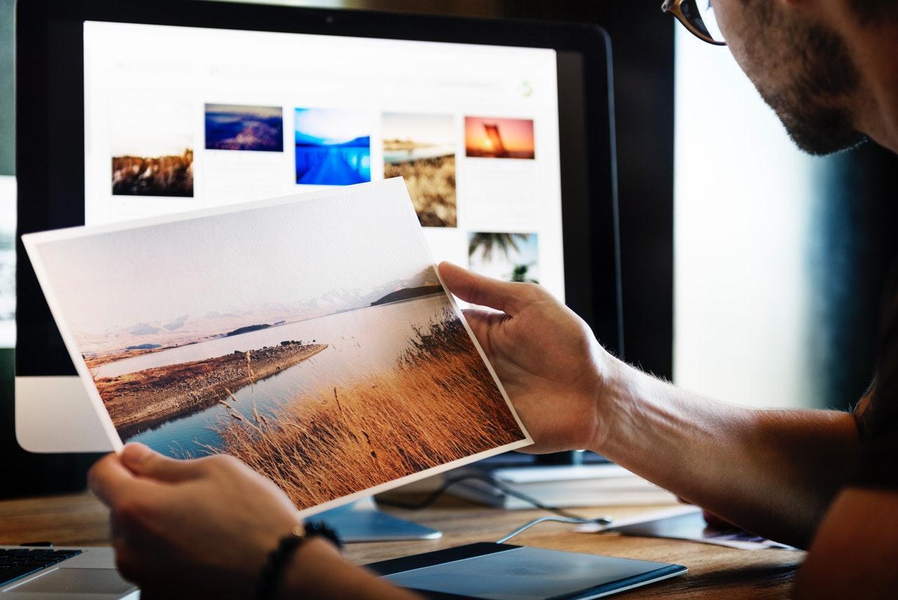 Graphics Designer - Illustrator/infographics - Startup